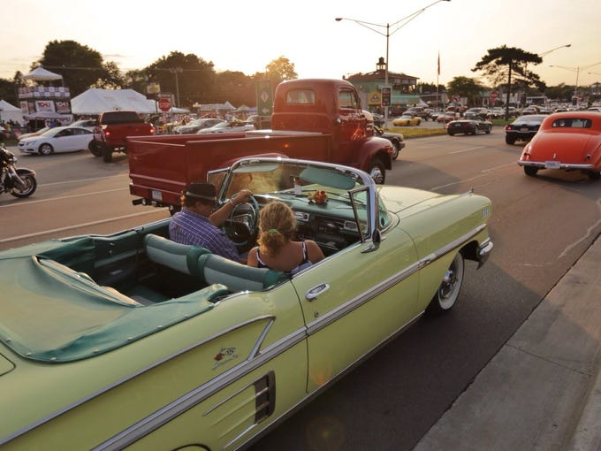 Photos Detroit Area Classic Car Shows Through The Years - Milford cruise in car show