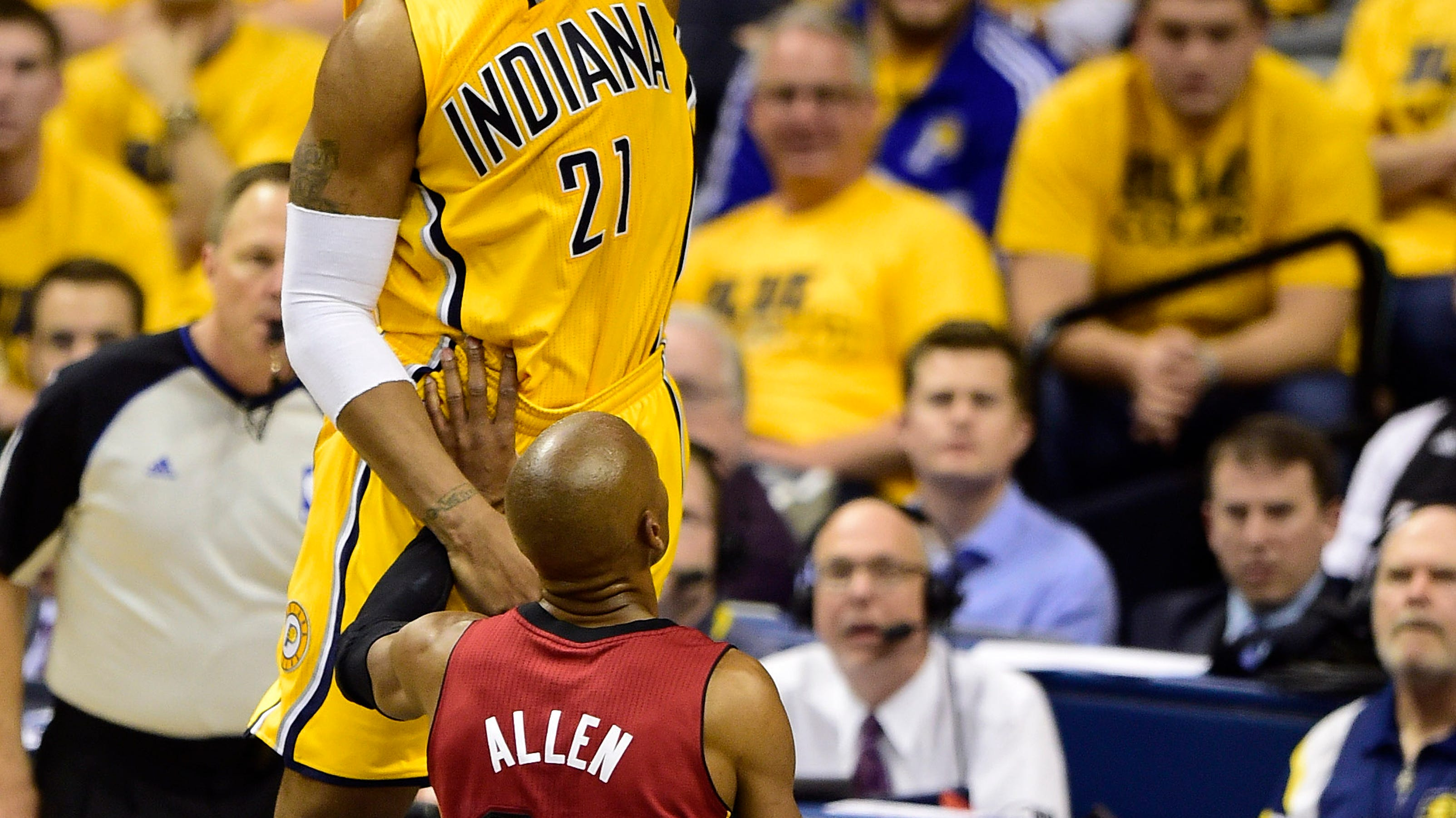 Pacers pull away from Heat to take 1-0 series lead