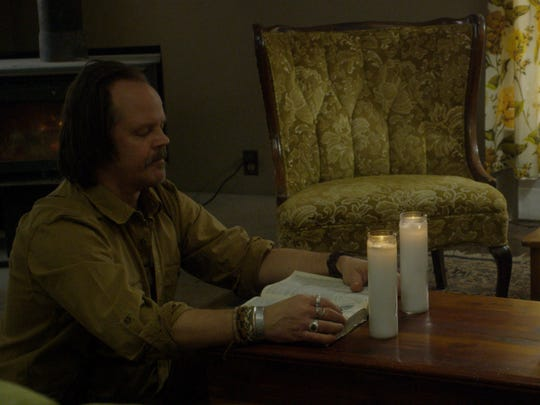 Jacob Lewis (Larry Fessenden) and Paul Sacchetti (Andrew