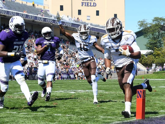 Western Michigan Broncos receiver D'Wayne Eskridge (7) rushes for a touchdown in MSU's season-opening win at Northwestern. It was WMU's first season-opening win in more than a decade and helped propel the Broncos' 7-0 start.