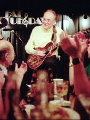 Legendary guitarist Les Paul performs at Fat Tuesday's