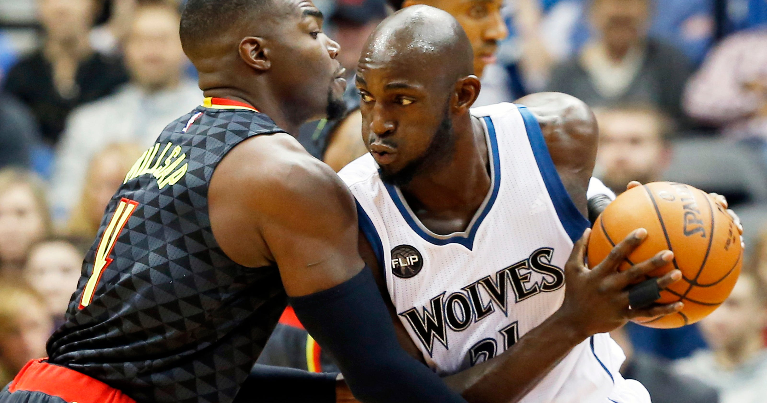 official photos d2371 21441 Wolves preparing for life without Kevin Garnett