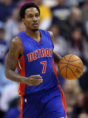 Jan 16, 2015; Indianapolis, IN, USA; Detroit Pistons guard Brandon Jennings (7) brings the ball up court against the Indiana Pacers at Bankers Life Fieldhouse.