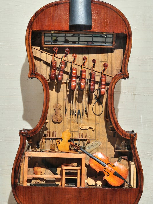 Miniature violins