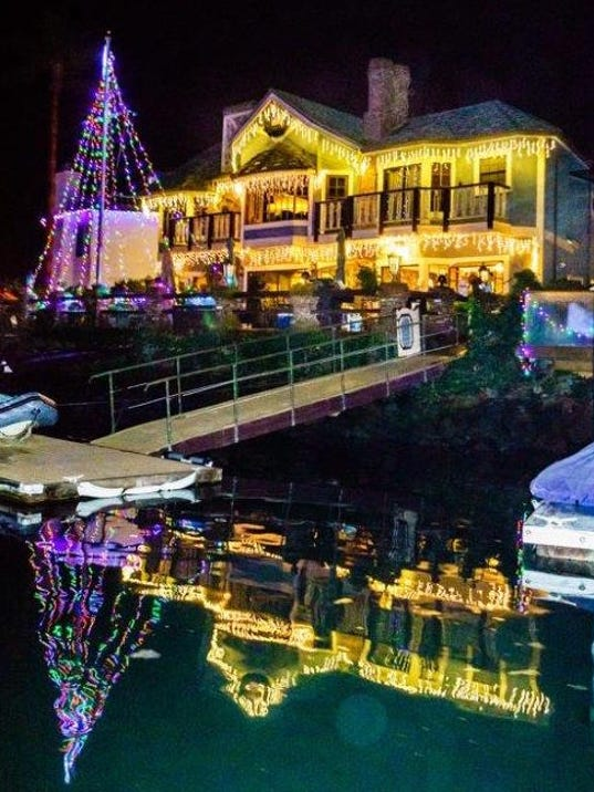 Ventura Keys Holiday Lights