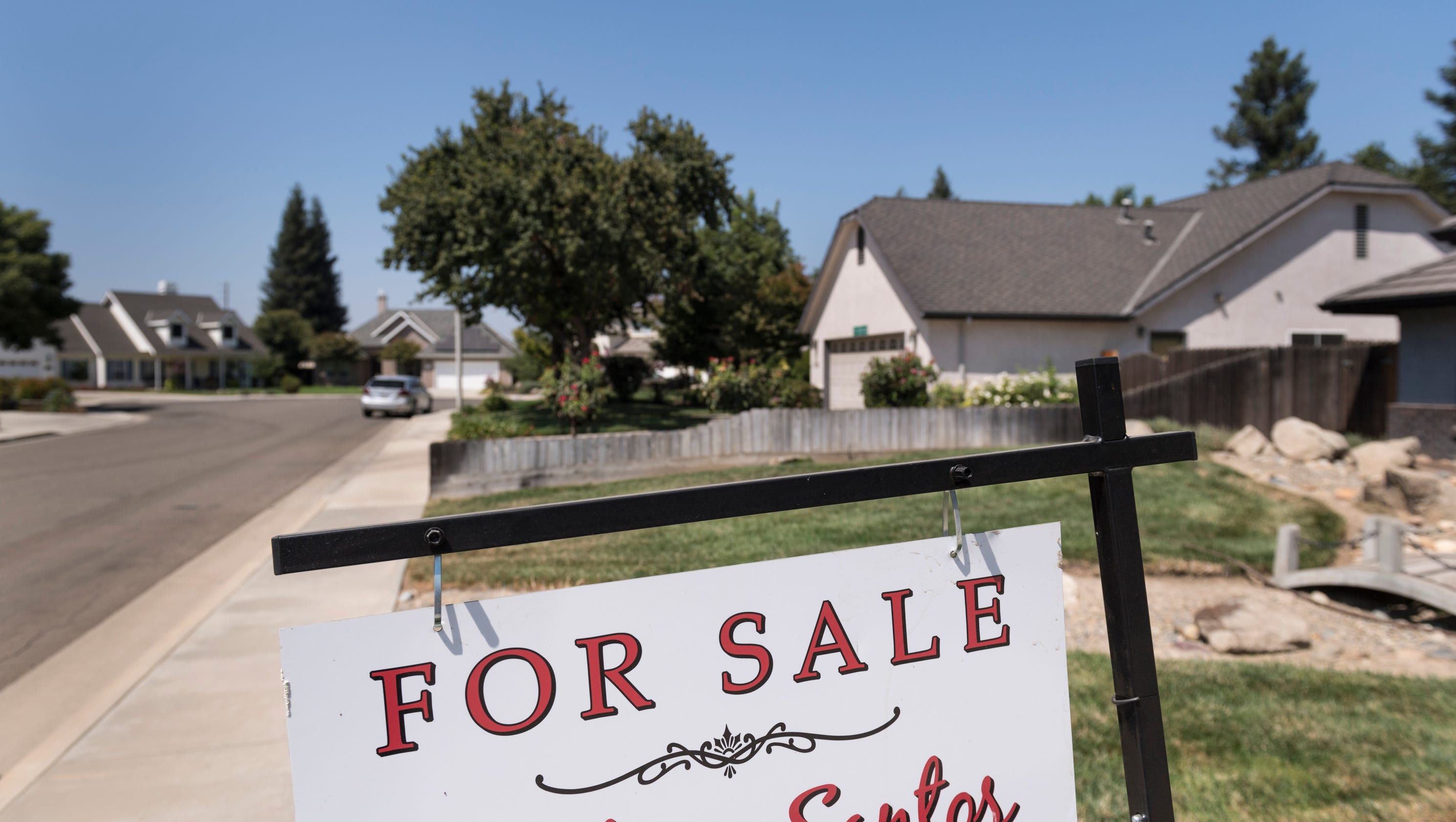 Buyers scramble to find homes in Visalia Tulare