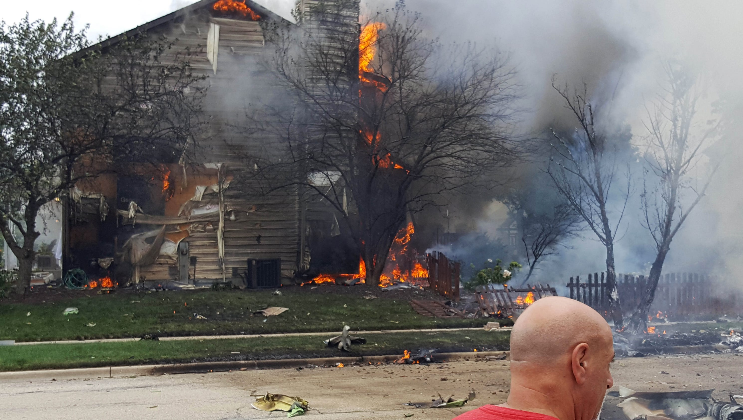 Small Plane Crashes Into Illinois Woman S Dining Room