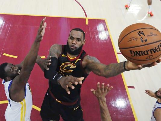 NBA_Free_Agency-James_Basketball_60022.jpg