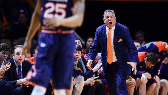 Bruce Pearl reacts during Auburn's 71-63 loss Saturday at Tennessee.
