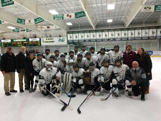 The Fond du Lac/Beaver Dam Warbirds co-op hockey team will compete at the WIAA state tournament this weekend.