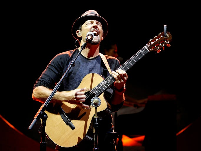 Jason Mraz performs at Comerica Theatre in Phoenix on Sunday, August 31, 2014.