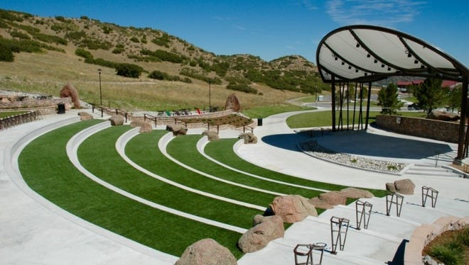 Chris Hermann, of Hermann Design Group, provided an example of what the La Quinta amphitheater could look like.