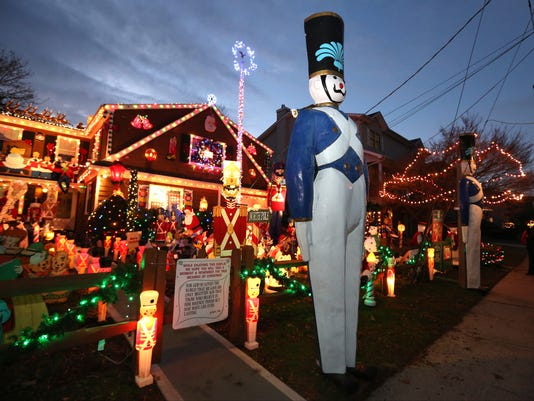 Where to see the best Christmas light displays
