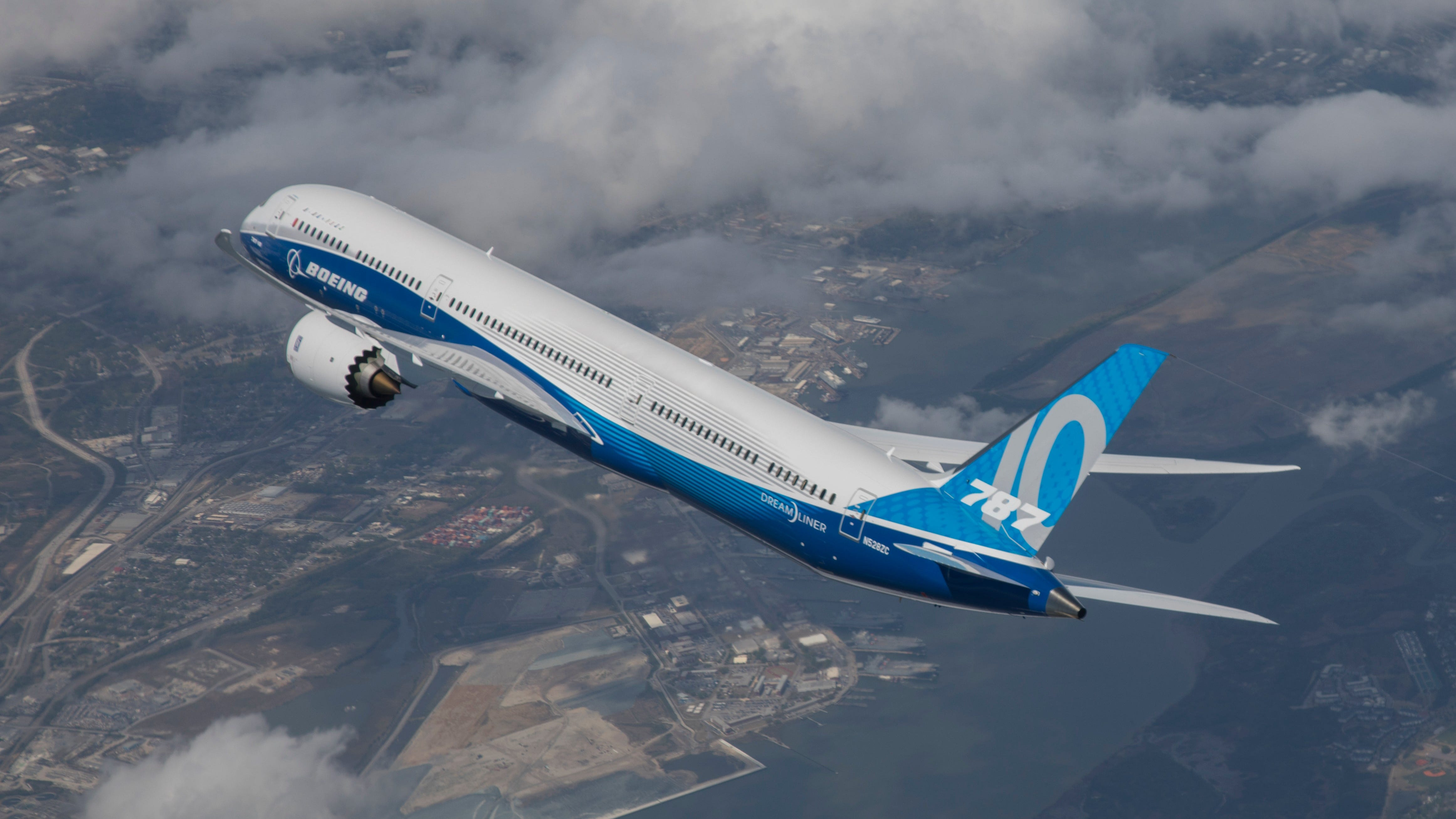 Boeing rules out bailout, borrows $25 billion through bond offering