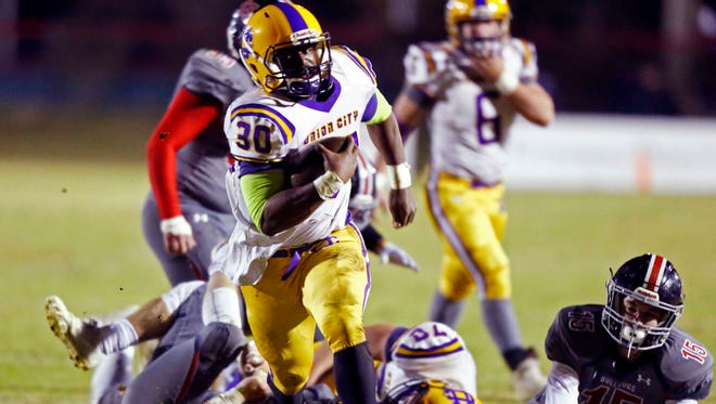 Union CityÕs Trey Jones runs for a touchdown during their game against Columbia Academy, Friday, Nov. 24, 2017, in Columbia, Tenn.