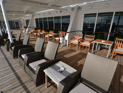 Five things to love about the revamped queen mary 2 for Terrace parent lounge