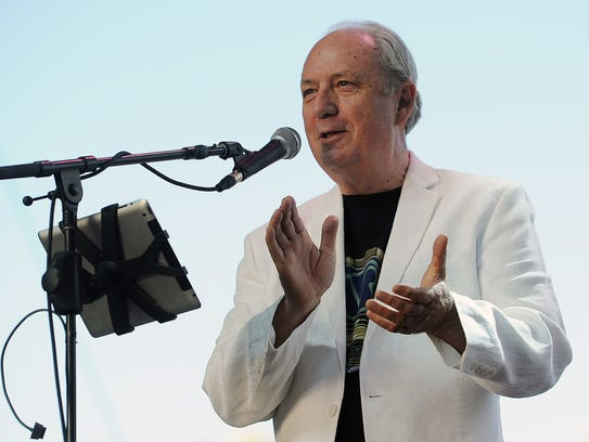 Michael Nesmith performing at the 2014 Stagecoach Music