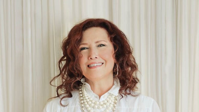 """Melissa Manchester performs with the Coachella Valley Symphony for her """"Melissa Manchester Live at the McCallum"""" show on Saturday."""
