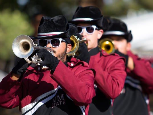 636448138434433641-2017-10-28-NMSU-HOMECOMING-PARADE-17.jpg