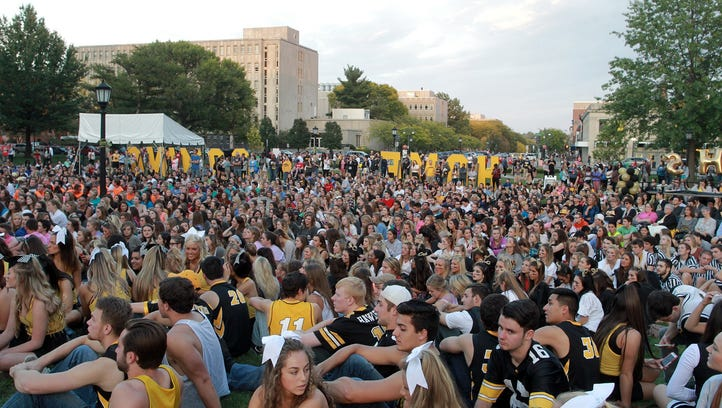 New route, closures for 2016 UI Homecoming parade