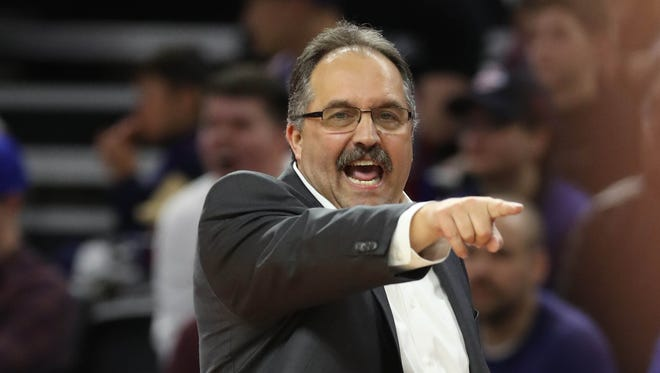 Stan Van Gundy calls a play during the Pistons' 90-89 win over the Nets on Thursday, March 30, 2017 at the Palace.