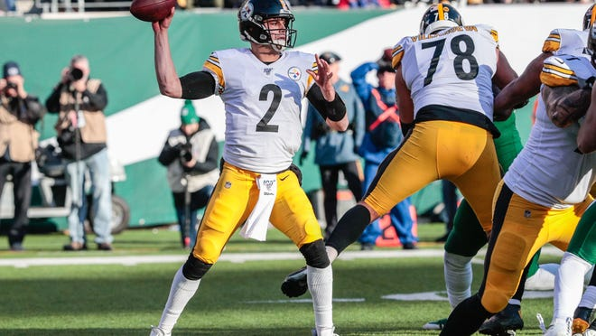 Dec 22, 2019; East Rutherford, New Jersey, USA;  Pittsburgh Steelers quarterback Mason Rudolph (2) throws a pass during the first half against the New York Jets at MetLife Stadium. Mandatory Credit: Vincent Carchietta-USA TODAY Sports