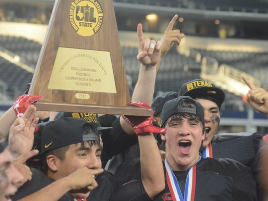 Strawn players celebrate with the state championship