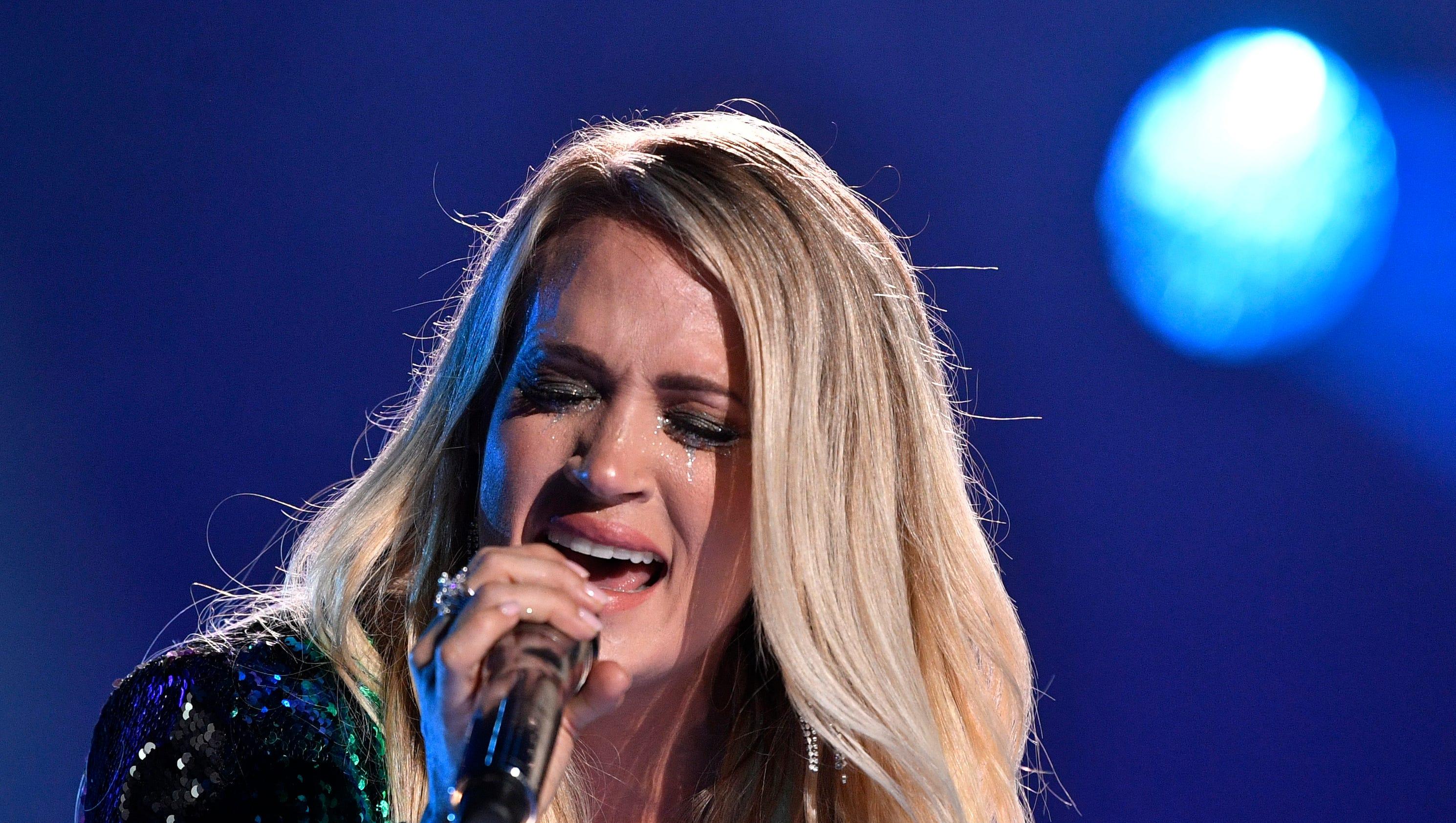 Cma Fest 2018 Carrie Underwood Blake Shelton Bring