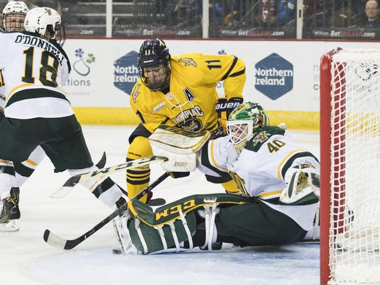 Friendship Four - Vermont vs. Quinnipiac Men's Hockey 11/26/16