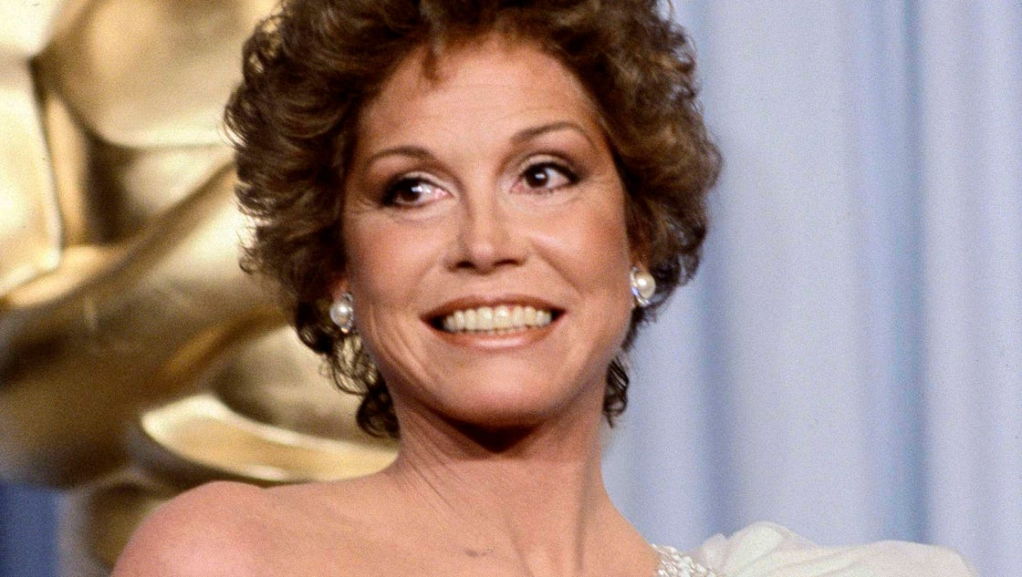 Mary Tyler Moore Who Revolutionized The Role Of Women On