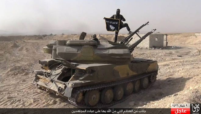 A new analysis shows that the Islamic State has lost 5,000 square miles of conquered territory during 2015.