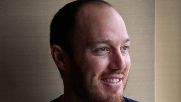 Titans look to Tim Shaw for inspiration, emotion — and volunteer coaching