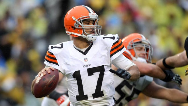 Reports indicate the Bengals signed Jason Campbell to a one-year deal late Wednesday ngiht.