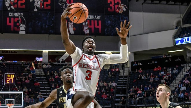 Terence Davis' (3) double-digit scoring effort wasn't enough to lead Ole Miss to a win against Vanderbilt Saturday night.