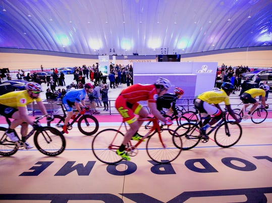 detroit-gives-new-indoor-velodrome-a-spin-at-opening