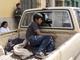 Niños abandonan un refugio después de ser reunificados
