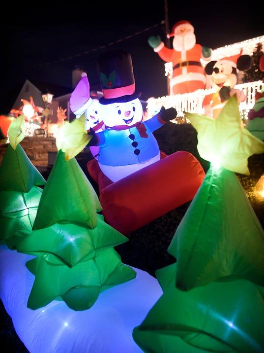 LDN-MKD-holiday-lights--014.jpg