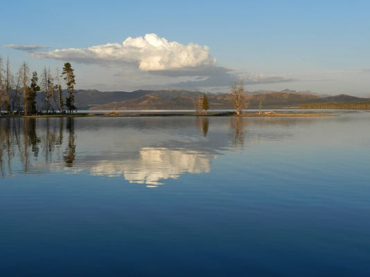 -Yellowstone Lake.jpg_20130731.jpg