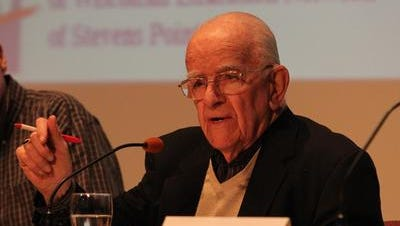 Walter John Chilsen spoke at a panel discussion about improving Wisconsin government in 2011.