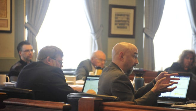 Michael McNamara, a special prosecutor helping the state, questions a potential juror Thursday.
