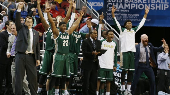 UAB's bench celebrates during the 2015 NCAA Tournament.