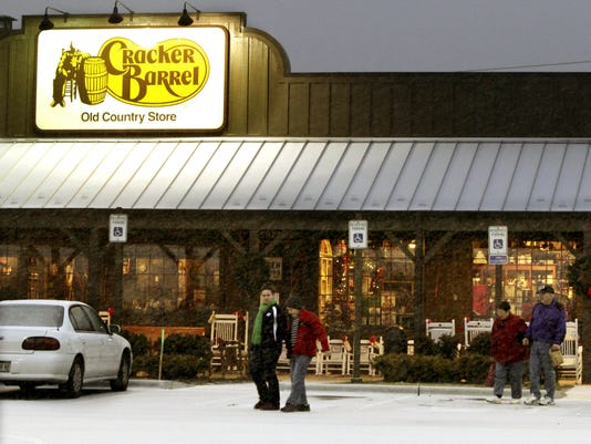 xxx ap101220131235jpg a f usa me patrons leave a cracker barrel restaurant and store