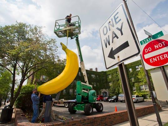 LAF Stand Alone Banana_03.jpg