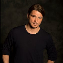 Josh Hartnett is going be a dad, according to reports.