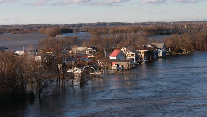 Both vacation homes and permanent residences around the Tennessee River in Hardin County have been cut off by rising waters.