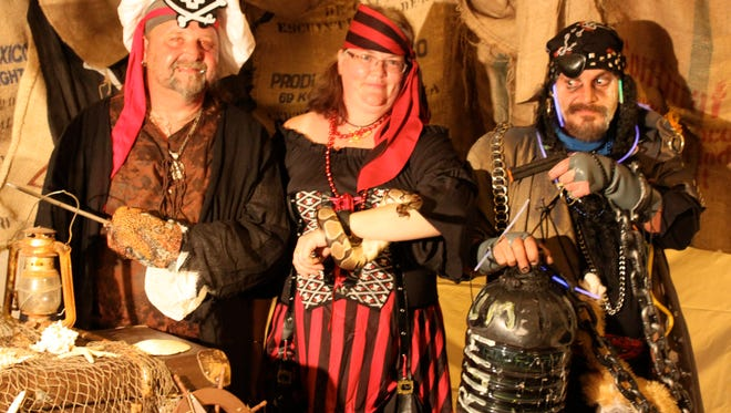 Pirates will be taking over Strawberry Alley this Friday for the 5th Annual Pirate Fest & Chili Cook-off to benefit Manna Cafe Ministries.