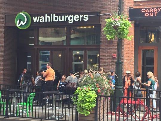 Wahlburgers_open