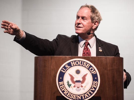 Rep. Joe Wilson, R-S.C., talks with constituents during