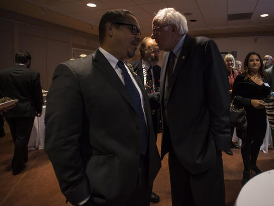 From left, DNC Deputy Chairman Keith Ellison and Sen.