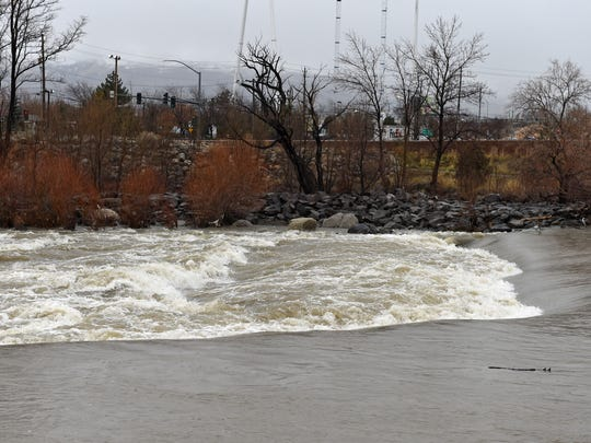 There a reversal on the Truckee River at Glendale Ave.